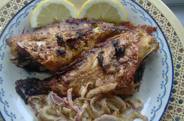 005038 Roast fish with oregano and extra virgin olive oil - Greek recipes 02